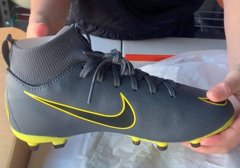 Nike Mercurial Superfly 6 Academy MG Soccer Cleats unboxing